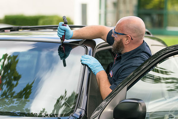 Replace your auto glass with the high quality replacement service